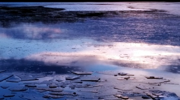 Reflection in Icy Lake 3a